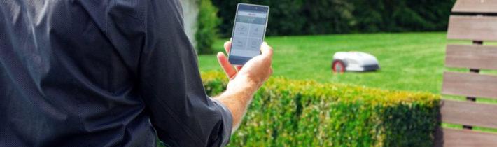 Самохідні газонокосарки-роботи Robolinho® W мають опцію дистанційного керування