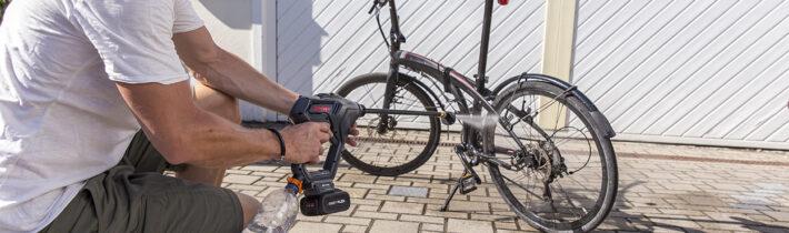 Аккумуляторная серия Easy Flex: топ-5 полезных аксессуаров для работы в саду