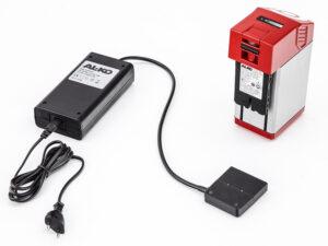 Для подзарядки литий-ионных батарей Power Flex следует использовать только совместимые зарядные устройства AL-KO.