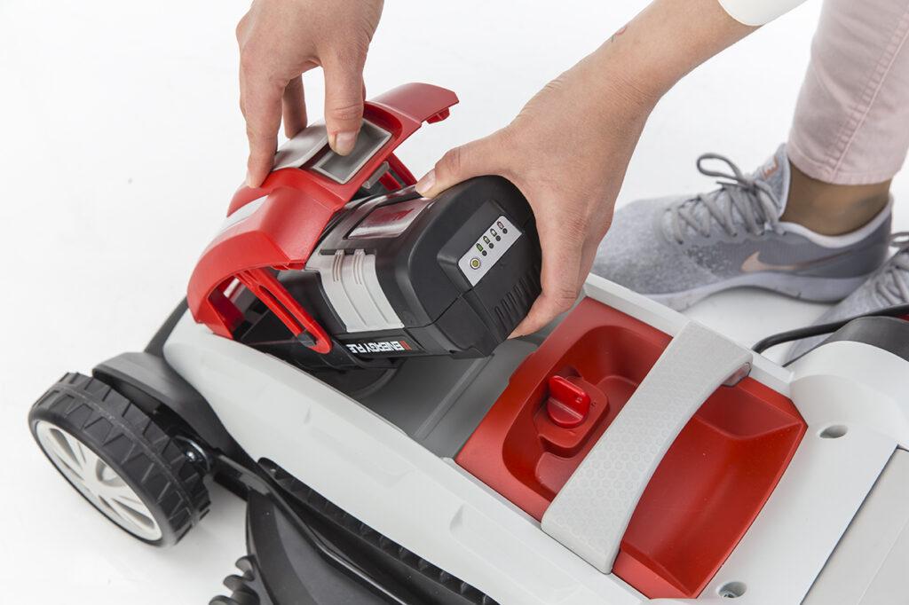 Всі газонокосарки Energy Flex можуть працювати на одному 40-вольтовому акумуляторі.