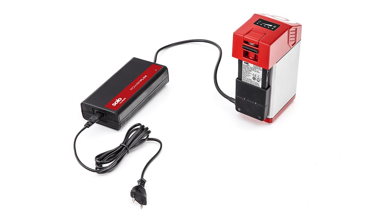 Для зарядки аккумуляторов AL-KO используют только совместимые устройства.