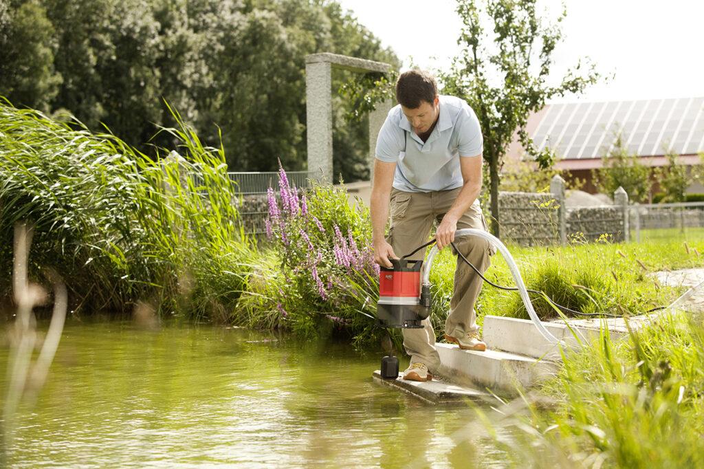 Для очистки пруда и восстановления биобаланса в водоеме нужно обустроить систему циркуляции и фильтрации воды.