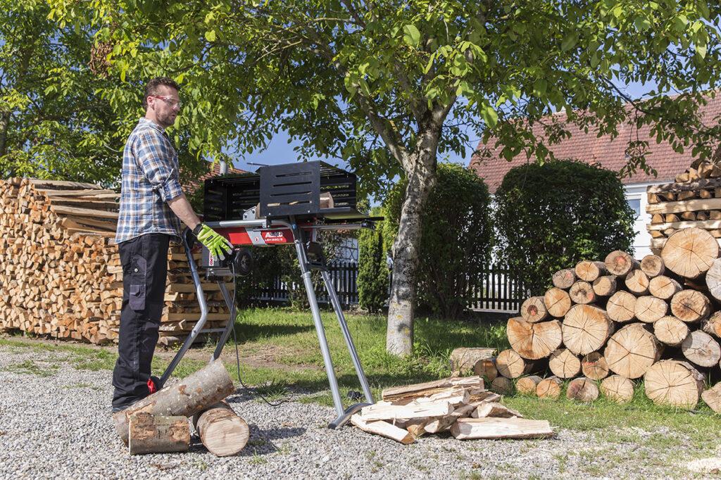 С гидравлическим дровоколом можно быстро заготовить дрова на весь холодный сезон.